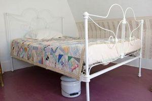 Cómo restaurar cama de hierro antigua