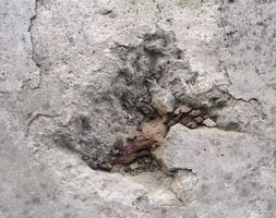 Cómo parchear pisos de cemento