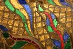 Cómo instalar mosaico de vidrio en una pared de la cocina