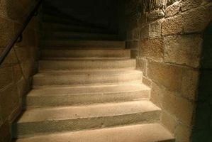 ¿Qué causa un muro de sótano de hormigón a tiza?