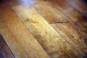 Cómo cortar juntas de lengüeta y ranura del piso instalado