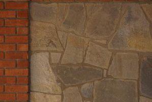 ¿Se puede poner piedra sintética sobre una chimenea de azulejos?