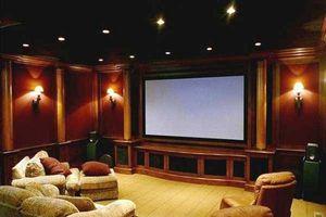 ¿Cómo convertir un garaje en un cine en casa