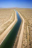 Cómo determinar el tamaño de irrigación zanjas