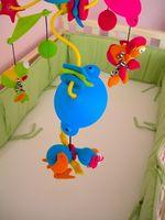 Cómo decorar la habitación de un bebé en colores primarios