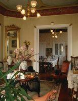 Lo que a pintura de paredes con victoriano ajuste de madera de roble y suelos de roble oscuros