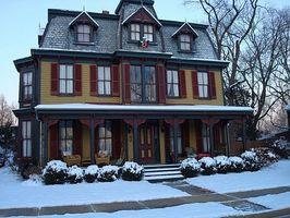 Cómo elegir colores de pintura para una casa victoriana