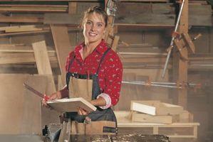Cómo pegar la lámina de cobre a la madera