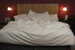 Cómo darle a tu cama un cabecero si no vienen con una