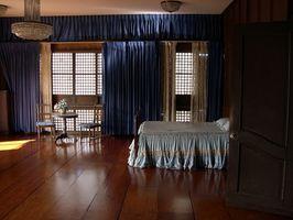 Diseño consejos sobre la colocación de una cama en un rincón