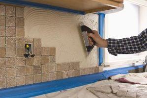 Cómo crear un protector contra salpicaduras de azulejo decorativo