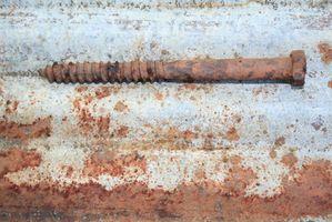 ¿Cómo quitar tornillos roto oxidado