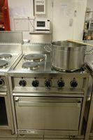Cómo reemplazar las bisagras horno de una estufa de Gas