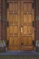 Cómo fortalecer las puertas dobles