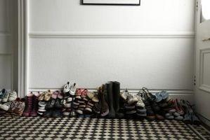 Convertido mi dormitorio en un Walk-In Closet y necesita Ideas para un zapatero de pared