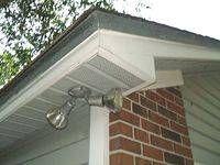 Cómo instalar plafones en un techo a dos aguas