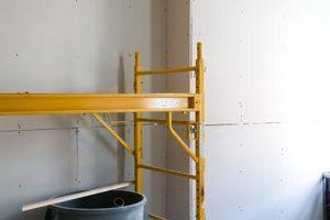 Cómo utilizar una escalera o andamio escaleras