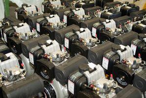 ¿Cómo reparar un tanque de Gas de cortacéspedes de césped de plástico negro