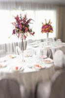 Cómo hacer un vidrio cilindro florero centro de mesa con flores