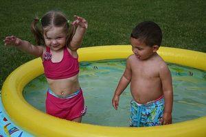 Cómo limpiar un golpe piscina