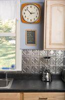 Cómo usar pintura de pizarra en cocinas