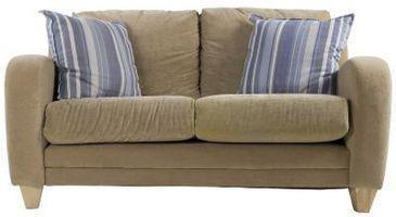 Cómo hacer una funda para un sofá fuera de las sábanas